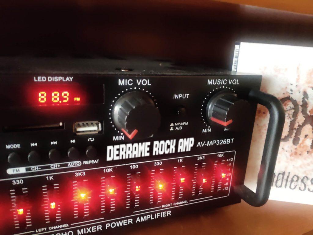 Oxide en Derrame Rock Radio